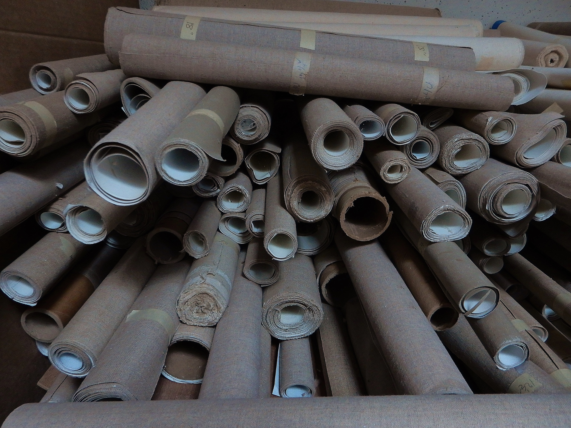 Need Short Rolls of Canvas or Linen?